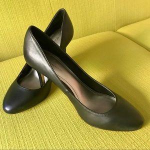 "3/$25 BCBGeneration classic round toe 3"" heels"